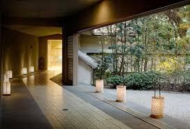 神奈川県奥湯河原にある有名高級旅館での客室係