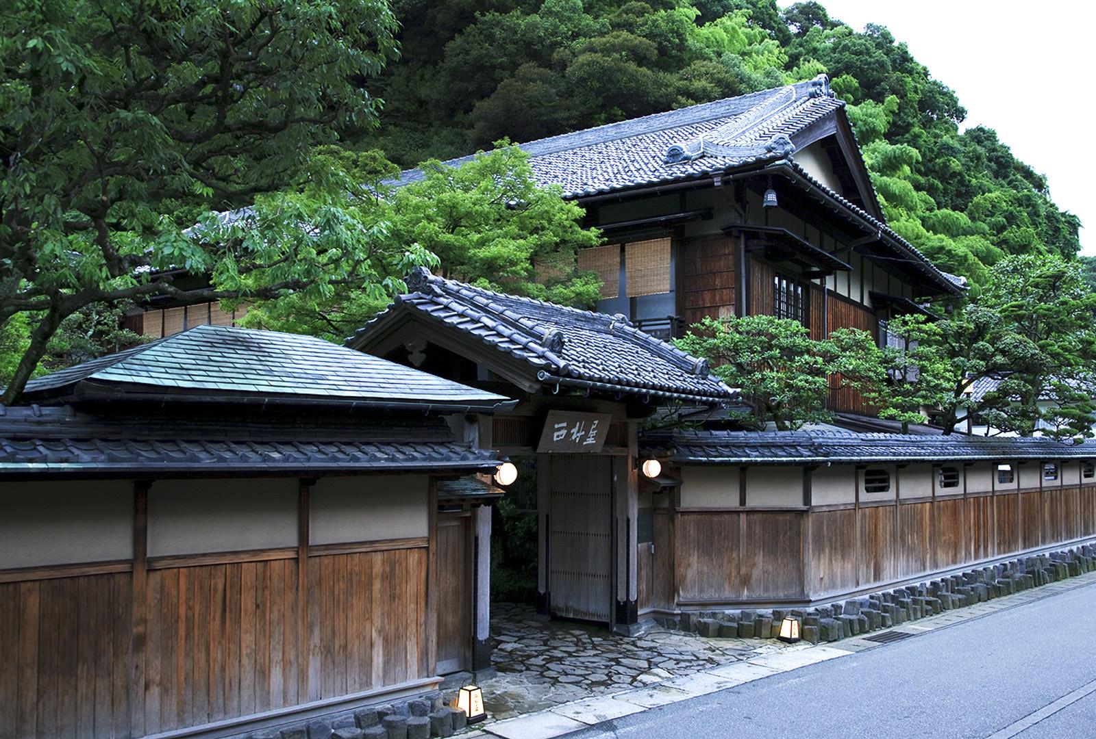 【高時給】老舗旅館おもてなしを学ぶ☆城崎温泉での接客業務