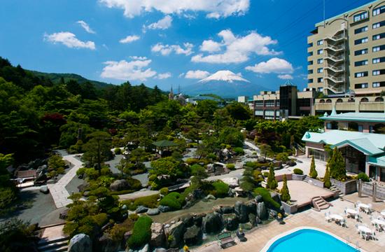 生活環境ばっちり!富士の麓の大型ホテルでのお仕事